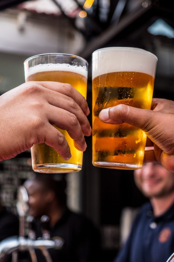 Firma Bier trinken mobile Brauerei